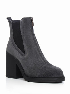 Ankle boots, casual Reversal