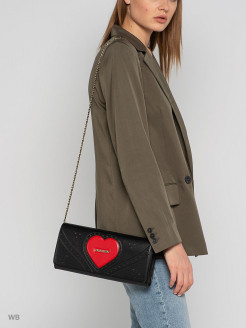 A bag Love Moschino
