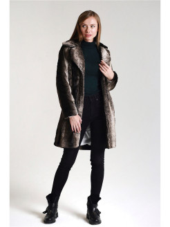 Natural fur coat W fashion