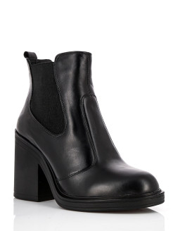 Ankle boots Reversal